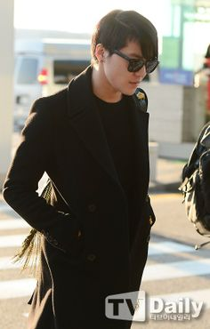 Junsu at Incheon Airport, heading to Guangzhou 131120