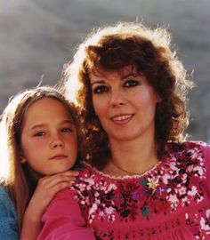 Natalie and her daughter Natasha Gregson Wagner. Hollywood Actresses, Actors & Actresses, Natasha Gregson Wagner, Barry Watson, Old Hollywood Stars, Classic Hollywood, Splendour In The Grass, Classic Movie Stars, Natalie Wood