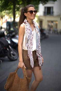 7 ways to wear summer scarves