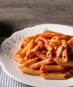 Prémiové italské semolinové těstoviny výborně absorbují omáčku a vždy zůstávají al dente! Macaroni And Cheese, Cookies, Ethnic Recipes, Food, Al Dente, Crack Crackers, Mac And Cheese, Eten, Cookie Recipes