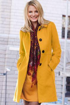 Sennepsgul kåpe Formal, Coat, How To Wear, Jackets, Fashion, Preppy, Down Jackets, Moda, Sewing Coat
