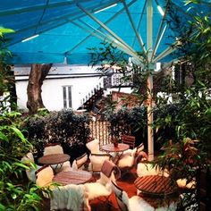 Looking for outdoor drinking in London? Discover London's best rooftop bars, enchanting pub gardens and more on HOUSE