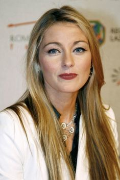 Louise Lombard, Las Vegas, Cate Blanchett, Pretty People, Actors & Actresses, Makeup Looks, Handsome, Beautiful Women, Hair Styles