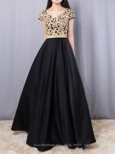 Shop Princess V-neck Satin Floor-length Appliques Lace Prom Dresses at FansFavs. Discover more Prom Dresses online to fit your fashionable needs. Long Halter Dress, V Neck Prom Dresses, Prom Dresses Online, Gowns Online, Prom Gowns, Evening Gowns, Country Bridesmaid Dresses, Bridesmaids, Prom Dresses With Pockets