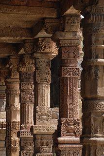 Indian Temple Architecture, India Architecture, Ancient Architecture, Roman Sculpture, Buddha Sculpture, Jain Temple, Ancient Buildings, Ancient Ruins, Stone Carving