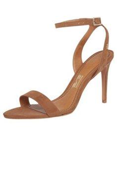 4715c56f4 14 melhores imagens de Sapatos | Femmes, 15 années e Belles chaussures