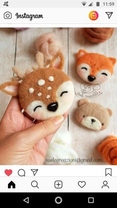 Felted animal faces make into magnets – Animal faces Felted magnets Needle Felting Kits, Needle Felting Tutorials, Needle Felted Animals, Felt Animals, Christmas Needle Felting, Diy Y Manualidades, Felt Christmas Decorations, Felt Brooch, Animal Faces