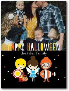 This family Halloween photo card for kids is the perfect way to celebrate the spooky holiday.