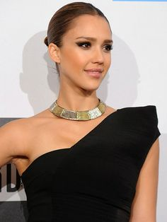Best Jessica Alba Hairstyles – Our Top 10