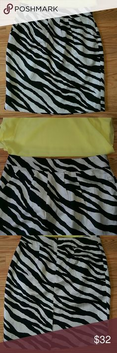 💠HP💠🆕Banana Republic»zebra skirt NWOT Gorgeous silky and soft zebra print skirt by Banana Republic. Black and white zebra-type pattern with slight sheen. Skirt has front pockets, band waist and zip back closure. Fully lined. Rayon/linen/acetate blend. Never worn, TTS. Great deal! 🎆🎊🎉6/14/16 Fashion Favorites Party Host Pick by @lindsayemow!🎉🎊🎆 Banana Republic Skirts