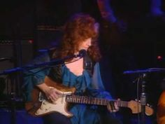 "John Lee Hooker and Bonnie Raitt play ""I'm In The Mood"" - YouTube"