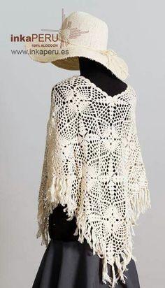 Poncho tejido a mano en 100% algodón natural peruano