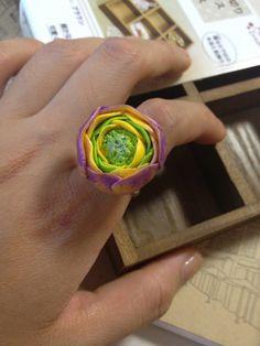 粘土で作られた花のリング。<材料>*粘土*調節可能なシルバーリング。注文や問い合わせについては、私にメッセージして自由に感じる。ありがとう。シンプ...|ハンドメイド、手作り、手仕事品の通販・販売・購入ならCreema。