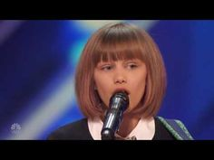 Grace VanderWaal Thanks Howie for Hitting the Golder Buzzer - America's Got Talent 2016 (Extra) - YouTube