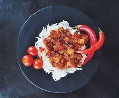 Red curry chicken chili Red Curry Chicken, Chicken Chili, Tandoori Chicken, Asian Recipes, Healthy Recipes, Ethnic Recipes, Red Curry Paste, Canned Coconut Milk, Red Chili