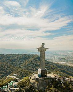 Christ The Redeemer, Rio 2016, Cn Tower, Seattle Skyline, God, Building, Travel, Dios, Viajes