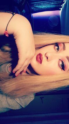 Makeup eyes blonde