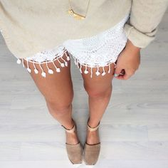 These white shorts are so perfect.