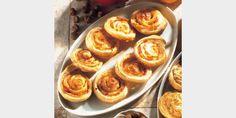 Valmista Paprika-juustohyrrät tällä reseptillä. Helposti parasta! Savoury Baking, Onion Rings, Muffin, Favorite Recipes, Snacks, Breakfast, Ethnic Recipes, Food, December