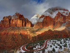 Explored America: Zion National Park Photos) Protected within the Zion National Park's 229 square miles is a dramatic landscape of sculptured canyons and soaring cliffs. Zion is located at the ju. Route 66, All Nature, Amazing Nature, Zion National Park, National Parks, Zion Utah, Colorado Plateau, Parcs, Lake City