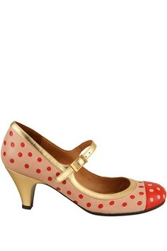 Hello polka dots!!! Love the color combo and the fun level!