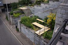 Parckdesign 2012, è una manifestazione voluta dall'amministrazione della città di Bruxelles. Si è pensato di ingaggiare un team di paesaggisti esperti in giardini effimeri per la curatela di un evento che potesse incentivare il riuso dei luoghi abbandonati del proprio tessuto urbano, sperimentando così una riqualificazione del verde accompagnata da un programma scandito da eventi culturali che li ricollegasse l'uno all'altro, per indagare il complesso tema degli spazi verdi della città.