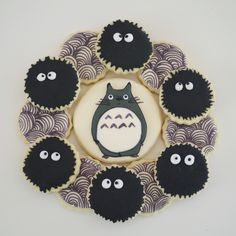 my neighbor totoro, by doctorcookies Ice Cream Cookies, Iced Cookies, Sugar Cookies, Cupcakes, Cupcake Cookies, Eclairs, Cakepops, Kawaii Cookies, Macarons