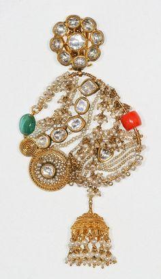 Falguni-Mehta-unveils-her-'Chand-Bali'-collection-2.jpg (404×700)