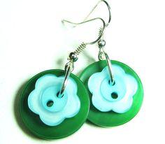 Button Girl Earrings Cute Flower Styles by flirtyfashionjewelry Green Earrings, Girls Earrings, Flower Earrings, Flower Fashion, Bright Green, Pretty Flowers, Washer Necklace, Fashion Jewelry, Button