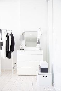 Home Inspiration I Black and White I Walk-in-Closet