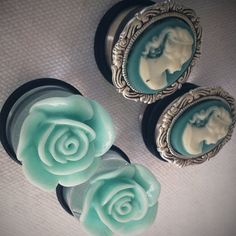 turquoise flower and cameo gauges stretched ears = beautiful things in your ears oh how i want to stretch my ears