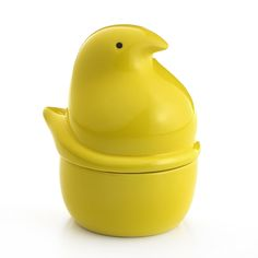 Brighten up someone's day this season this season with this adorable PEEPS® shaped Yankee Ceramic Candle! It smells like marshmallows!