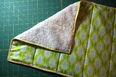 Tutorial: Turn an old towel into a new bathmat · Sewing   CraftGossip.com