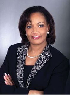 Kim D. Saunders, CEO of M Bancorp, Inc. #business #leaders