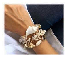 Boho puka shell bracelet wax rope friendship bracelet 2019 christmas gifts for women tibetan jewelry natural gold shell statemen Cowrie Shell Necklace, Shell Bracelet, Shell Necklaces, Bracelet Sizes, Cheap Charm Bracelets, Bangle Bracelets, Tibetan Jewelry, Seashell Jewelry, Christmas Gifts For Women