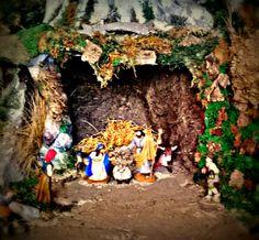 La crèche est la représentation que nous faisons de la naissance de Jésus, cette représentation les enfants le font pour célébrer la naissance de Jésus et le Noël. Marina Pagès