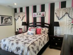 Black And White Pink Bedroom Ideas With-Pink Black And White Bedroom Decorating Ideas Black Bedroom Design, Girl Bedroom Designs, Bedroom Black, Pink Bedrooms, Teenage Girl Bedrooms, Teenage Room, Girls Bedroom, Bedroom Wall Colors, Accent Wall Bedroom
