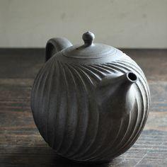 Ceramic Teapots, Kettles, Contemporary Ceramics, Tea Bowls, Paper Clay, Tea Pot, Tea Time, Stoneware, Home Goods