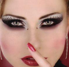 Dramatic+Eye+Makeup   Dramatic Arabic Eye Makeup Tips   Makeup Pedia