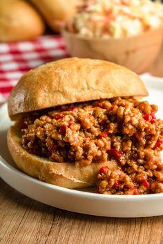 Vegan Ramen, Eat To Live, Tortellini, Food Design, Pulled Pork, Hot Dog, Salmon Burgers, Sloppy Joe, Good Food