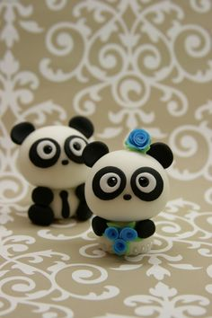 Beautiful Kitchen: Love Pandas Cake Topper... one day @Kimmy Smith you will need these for the top of your wedding cake...