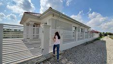 Casa pe parter in Corbeanca | CoArtCo Home Fashion, Garage Doors, Mansions, House Styles, Outdoor Decor, Home Decor, Sun, Houses, Mansion Houses
