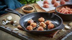 Lammekjøttboller | Oppskrift - MatPrat Iron Pan, Griddle Pan, Tapas, Dutch Oven, Grill Pan