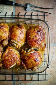 Really good AND really simple mustardy baked chicken thighs' recipe with minimum ingredients. (recipe in Estonian)