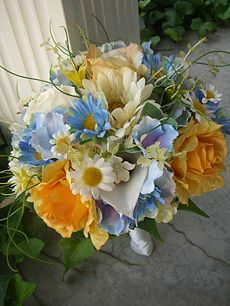 wedding bouquets with hydrangeas and daisies   Bouquet rental: $15.00 brides bouquets/$10.00 bridesmaid bouquets