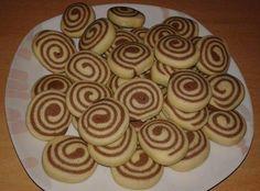 Φτιάχνουμε ωραία μπισκοτάκια πανεύκολα και με περίεργα σχεδιάκια !!!! Μπορούμε να κάνουμε κορδόνια δίχρωμα χωριστά και να τα στρίψουμε μεταξύ τους η ότι άλλο σχέδιο σας έρθει σαν έμπνευση ! Παρακάτω θα δείτε ορισμένες ιδέες σε φωτογραφίεςγια Vegan Sweets, Sweets Recipes, My Recipes, Cooking Recipes, Recipies, Greek Recipes, Cake Mix Cookie Recipes, Cake Mix Cookies, Cake Recipes