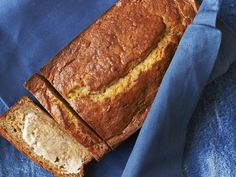 banana bread - We love this bread's moist texture and simple flavor. Banana bread should form a crack down the center as it bakes--a sign the baking soda is doing its job. Healthy Banana Bread, Banana Bread Recipes, Banana Nut, Cooking Light Banana Bread, Smoothies, Cooking Recipes, Healthy Recipes, Healthy Foods, Stewie Griffin