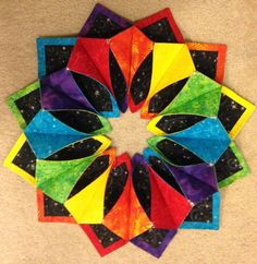 Free Fold and Stitch Wreath Instructions - Yahoo Image Search Results Quilting Projects, Quilting Designs, Sewing Projects, Quilting Ideas, Sewing Ideas, Fabric Crafts, Sewing Crafts, Fabric Art, Fabric Origami