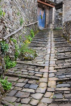 Cobblestone path in a village in the Zagoria Region of Greece. Old Bridges, Beach Cottages, Travel Photographer, Athens, The Good Place, City Photo, Scenery, Winter Destinations, Landscape