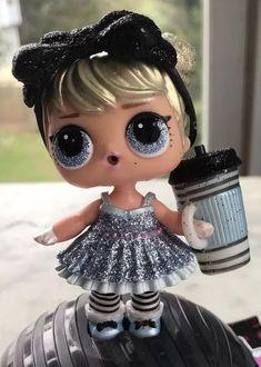 LOL Surprise Holiday Bling Series Honey Bun Doll /&Random dress shoes Bottle